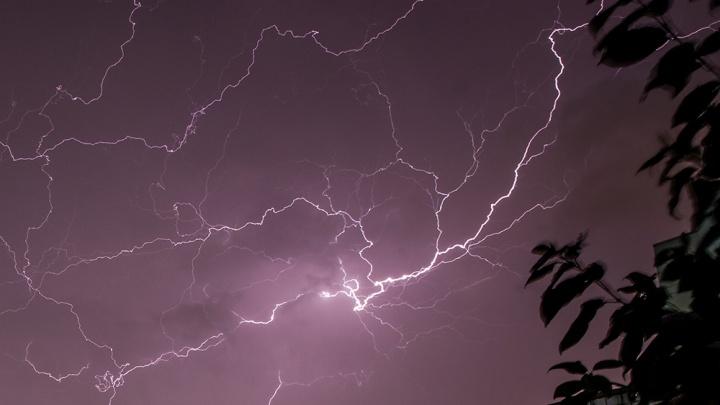 Молния убила школьницу под Новосибирском