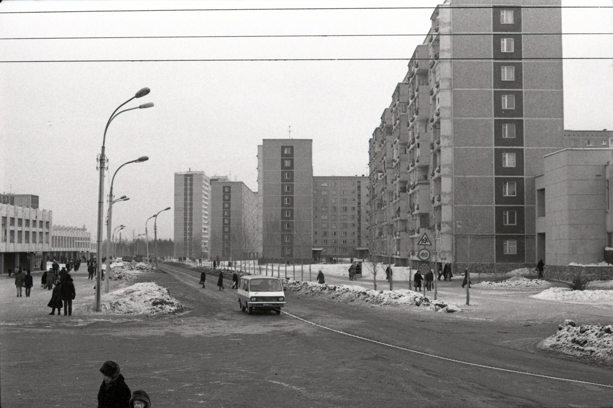 На рубеже 70–80-х годов Железнодорожный район города прирастал новостройками и населением в основном за счёт развития Новой Сортировки