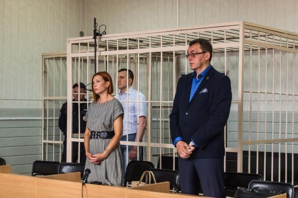 Вчера Анатолий Радченко отказался слушать приговор и не вернулся в зал заседаний после перерыва, сегодня подсудимого тоже нет