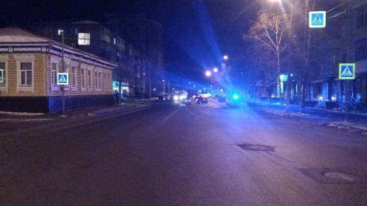 В Кургане иномарка сбила женщину, переходившую дорогу в неположенном месте