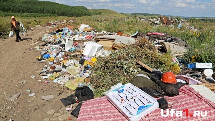 В Башкирии мужчина самовольно оградил берег реки и превратил его в свалку