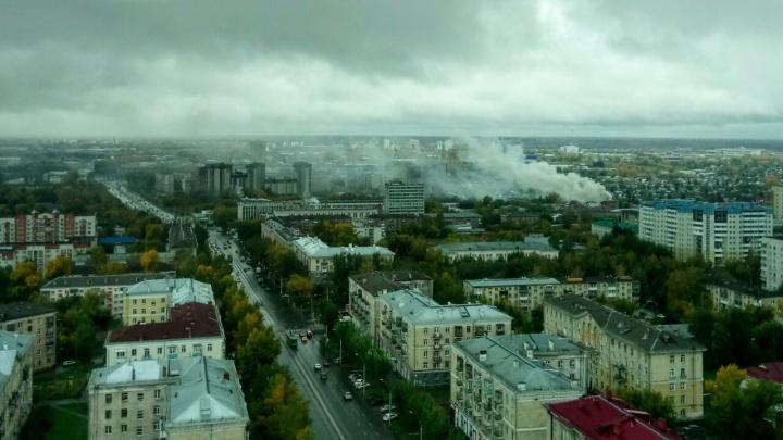 Пожар у «Озера грёз»: над Кировским районом поднялся столб дыма