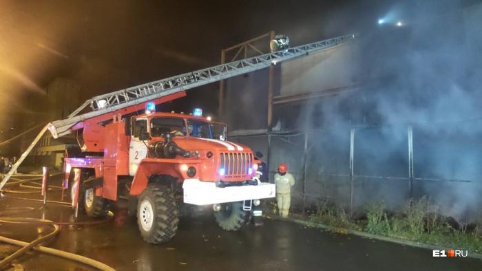Сотрудникам МЧС удалось локализовать пожар