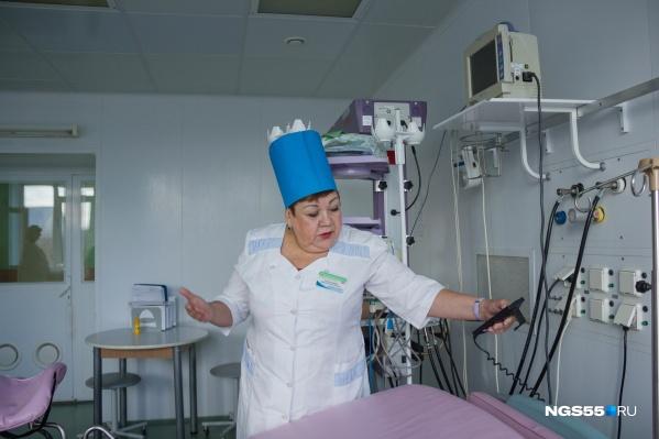О работе «крёстных матерей» нам рассказала старшая акушерка высшей категорииГородского клинического перинатального центра Марина Толстоног