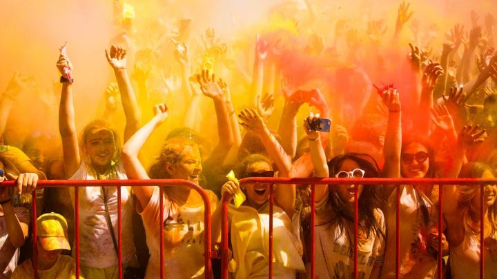 Два фестиваля красок, Билан и звон колоколов: чем заняться 27 и 28 июля в Волгограде и Волжском