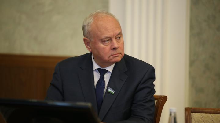 Председатель Госсобрания Башкирии Константин Толкачев поручилнайти замещение товарам из Китая