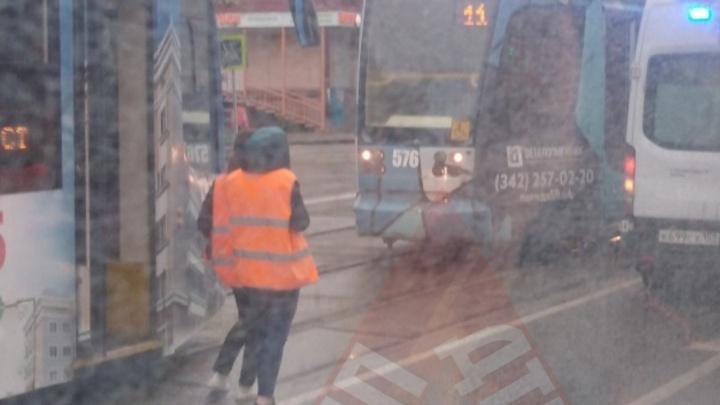 В Перми остановили движение трамваев из-за плохого самочувствия пассажирки