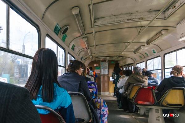 В муниципальном транспорте Самары объявляют все остановки