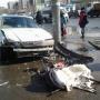 «Смял коляску с ребёнком»: в Челябинске автомобиль вылетел на тротуар, сбив пешеходов