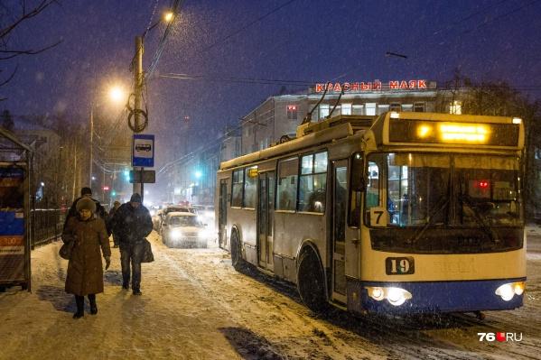 Руководители и рабочие Яргорэлектротранса говорят о сокращении троллейбусов в Ярославле разные вещи