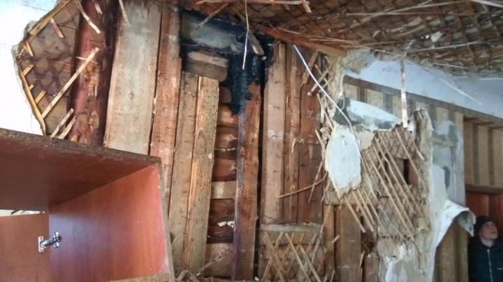 «Пришлось менять каждую мелочь»: жители выгоревшего дома в Волгограде заплатили за ремонт квартир
