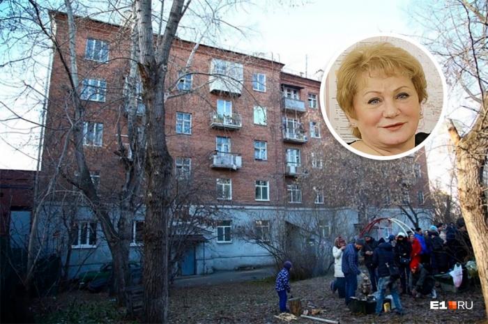 Светлана Учайкинавстретилась с жителями дома, который хотят снести
