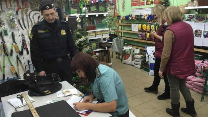 В Ярославле арестовали гномов за долги их хозяина