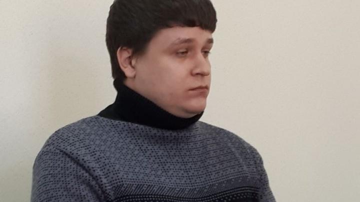 Фальшивого риелтора, который незаконно продавал квартиры екатеринбуржцев, осудили на 6 лет