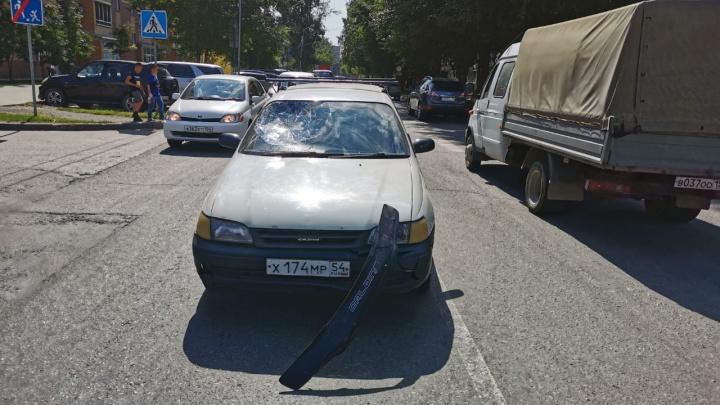 «Тойота» сбила двух школьников на пешеходном переходе на улице Гоголя