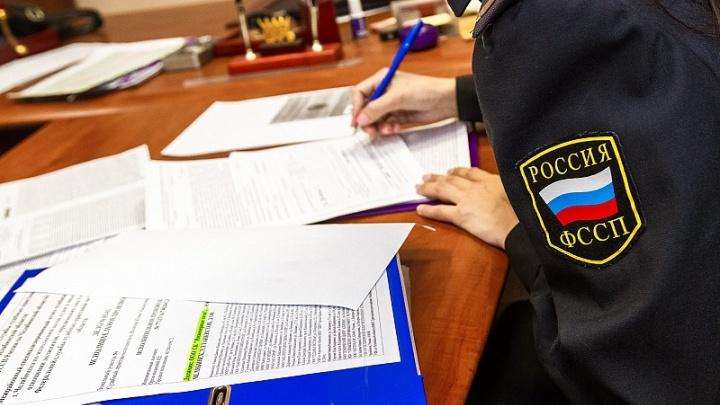 «Похитили из кабинета»: южноуральского пристава отправили в колонию за аферу с деньгами должников