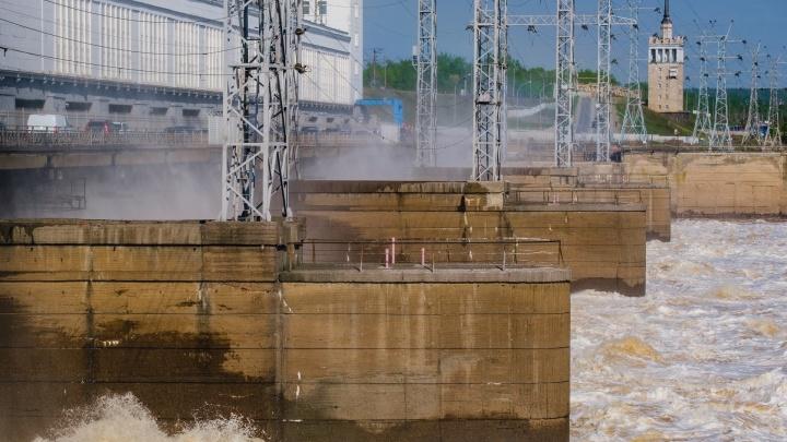 В Перми ищут женщину, предположительно, совершившую суицид на Камской ГЭС