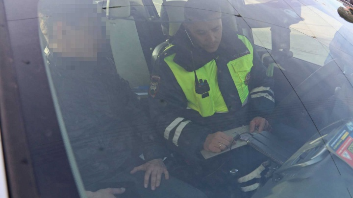 Пикник на обочине: в Башкирии горе-угонщика задержали, когда в машине кончился бензин