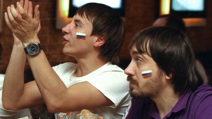 2ГИС показал на карте Новосибирска бары, где можно посмотреть матчи ЧМ по футболу