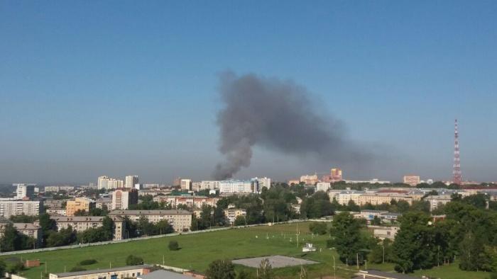 Дым от пожара видно с ул. Немировича-Данченко
