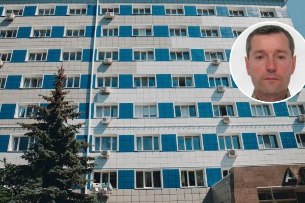 Компания«Спецхиммонтаж», которая может принадлежать Артуру Дементьеву находилась на втором этаже офисного здания на Параходской