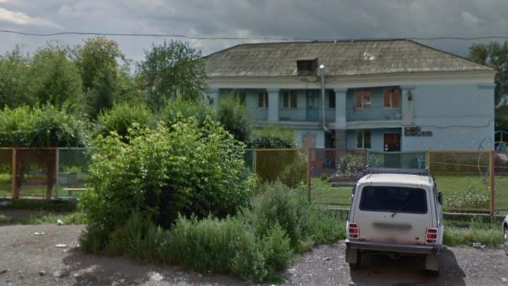 Детский сад на Корнетова внезапно закрыли из-за аварийности здания
