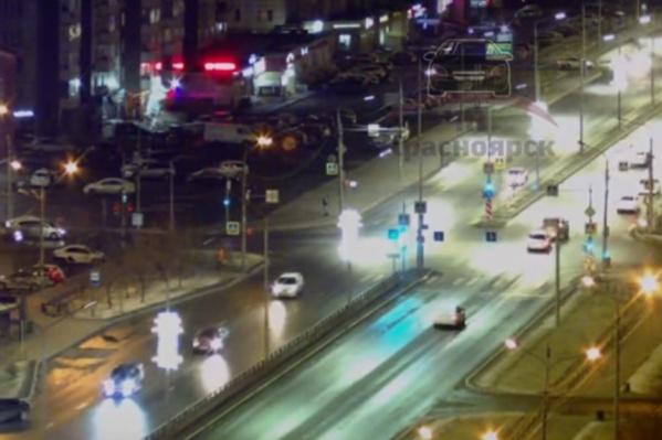 Авария произошла на перекрестке Молокова — Батурина