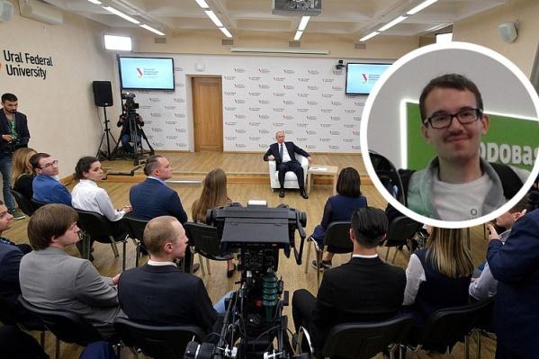 По словам Романа, о том, что он примет участие во встрече с Путиным, ему сообщили на прошлой неделе