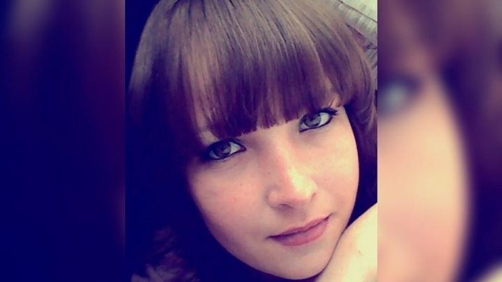 «Она родила месяц назад»: в Среднеуральске разыскивают девушку, которая пропала по пути домой