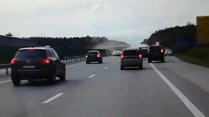 Фура кувыркалась по дороге: очевидец снял на видео аварию на дублере Сибирского тракта
