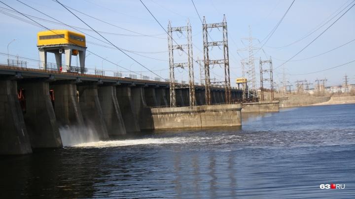 На Жигулевской ГЭС открыли водосливную плотину