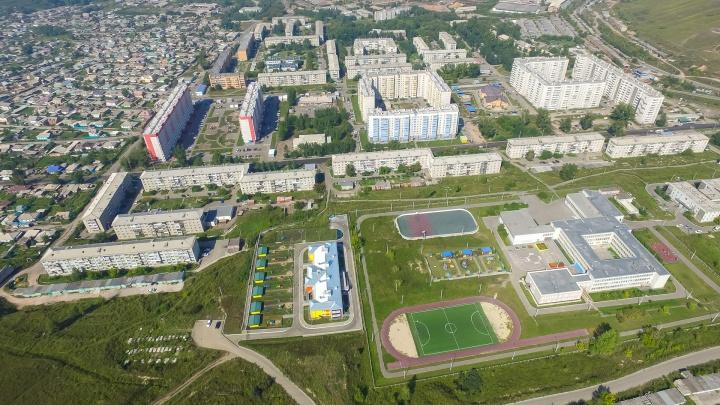 Рассказываем о районе Красноярска, где жители страдают от криминала и коров, но безумно его любят