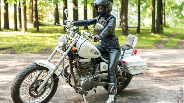 «Мне сигналят и тычут в меня пальцами»: откровения мотокошки из Ярославской области