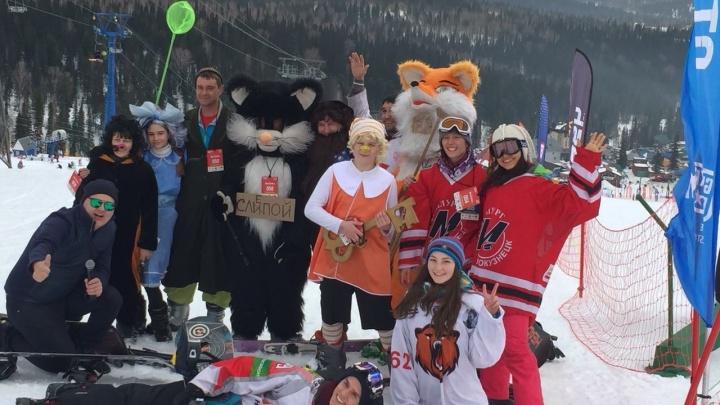Сотни сибиряков нарядились в весёлые костюмы для карнавала в Шерегеше