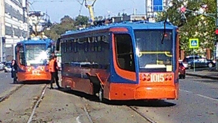 В центре Уфы трамвай сошёл с рельсов