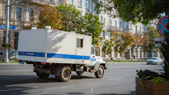 За одну ночь сотрудник ростовского агентства недвижимости вынес из офиса 17 ноутбуков