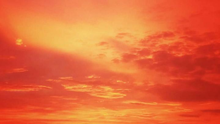 «Это из-за пыли»: астрофизик объяснил причины красочного рассвета над Челябинском