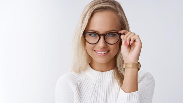 Очки за 1950 рублей и бесплатный прием офтальмолога: стартовала выгодная акция в сети салонов оптики