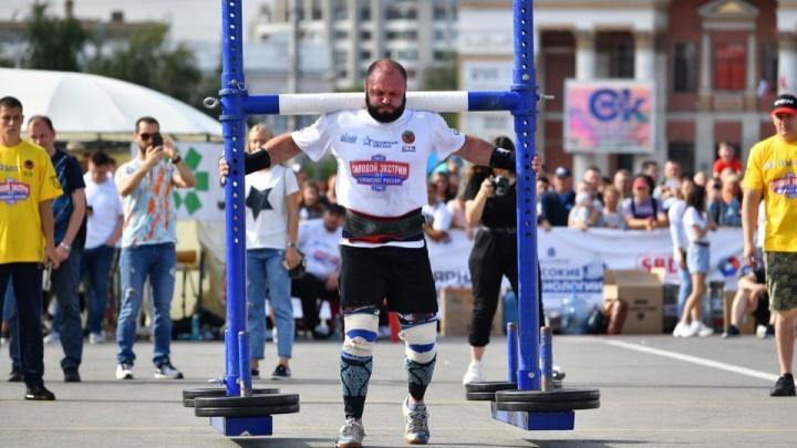 В Омске проходит чемпионат России по силовому экстриму: смотрим его в режиме онлайн