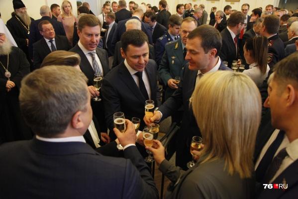 Поздравить Владимира Волкова с назначением на должность пришли первые лица города и области