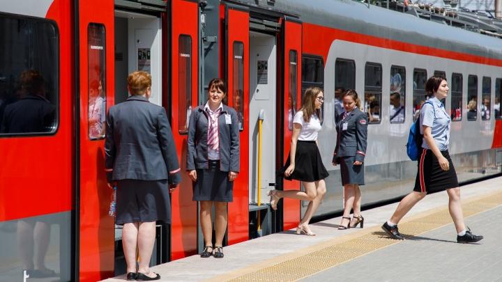 Поезд Адлер — Чита на 40 минут застрял в Волгоградской области из-за помехи на рельсах