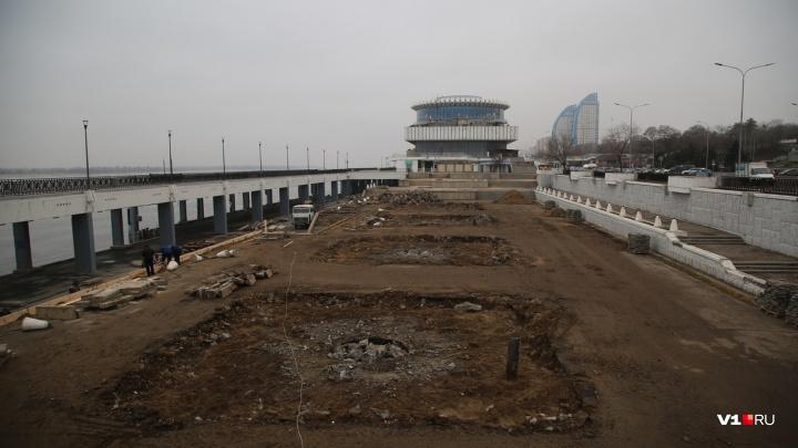 С нижней террасы набережной Волгограда исчезли четыре фонтана-призрака