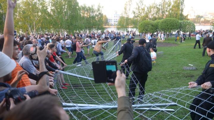 Что делали Высокинский и Куйвашев, пока их ждали в сквере, где бунтовали против строительства храма