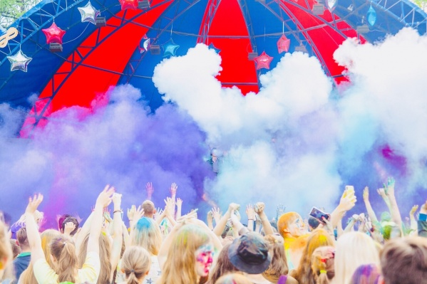 Составлен топ-5 песен, которые красноярцы слушали чаще всего этим летом