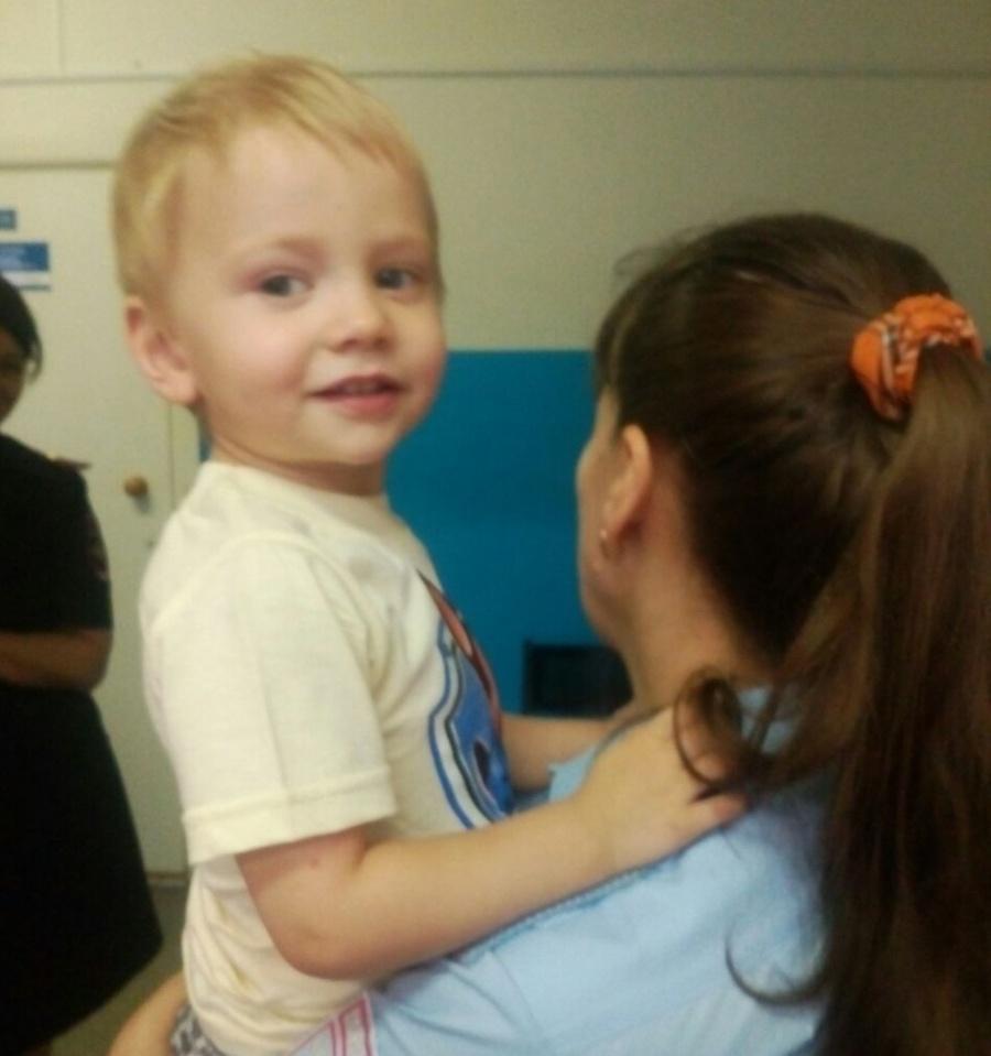 Одинокого двухлетнего ребенка отыскали вНовосибирске
