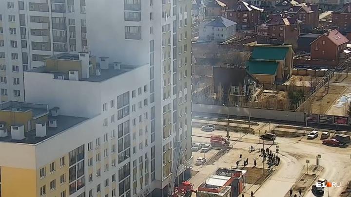 Окно разлетелось на куски: появилось еще одно видео взрыва в квартире в Академическом