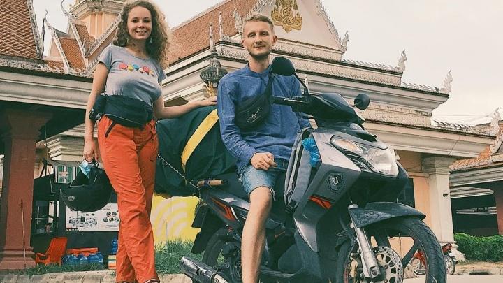 Кругосветка Даши и Ильи: проехали 500 км на байках за раз и обманом проникли в огромный храм