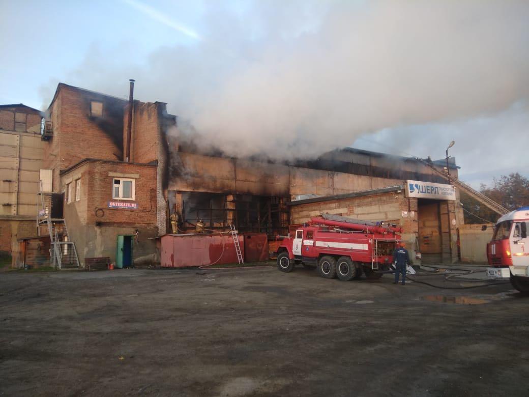 О пожаре в МЧС сообщили очевидцы