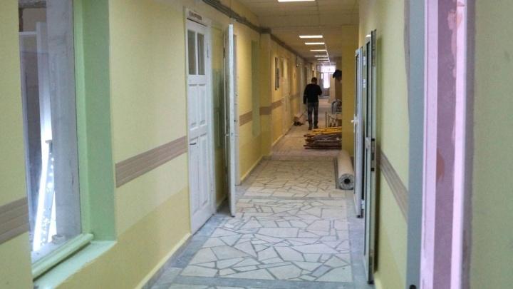 Евгений Ройзман ищет 30 мужиков, чтобы отремонтировать заброшенный этаж хосписа в Екатеринбурге