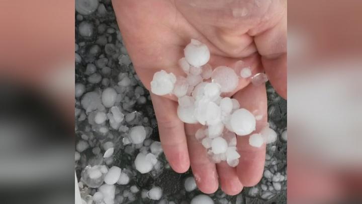 Ледяной удар: под Уфой прошел крупный град